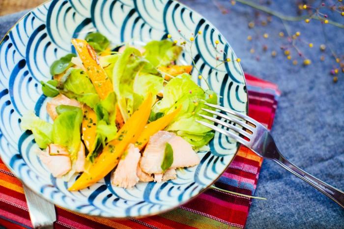 salada-de-manga,-pimenta-e-salmao-defumado-haikala-(flavia-valsani-para-cozinha-da-matilde)