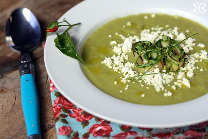 sopa-de-abobrinha-com-chancliche-2-(leticia-massula-para-cozinha-da-matilde)