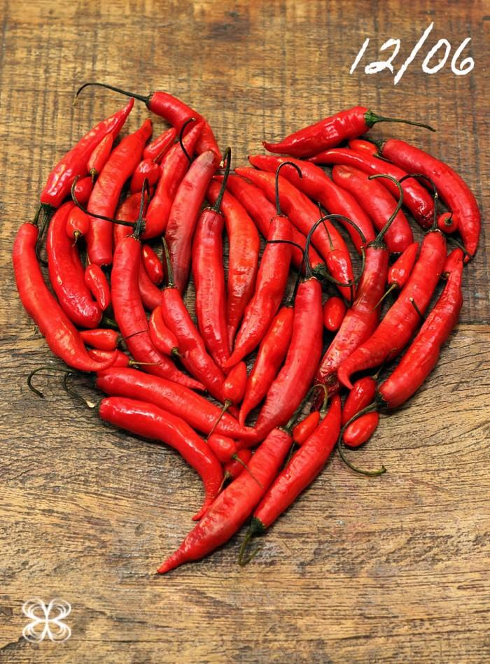 capsicum-(geral)-dia-dos-namorados-quente-e-picante-pra-quem-ama-pimenta-(leticia-massula-para-cozinha-da-matilde)