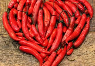 capsicum-(insta)-dia-dos-namorados-quente-e-picante-pra-quem-ama-pimenta-(leticia-massula-para-cozinha-da-matilde)