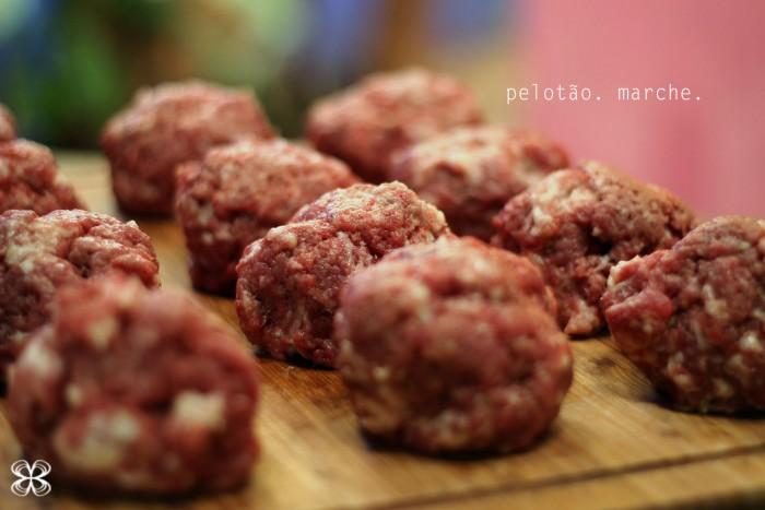 hamburguer-passo-a-passo-pelotas-de-carne-(leticia-massula-para-cozinha-da-matilde)