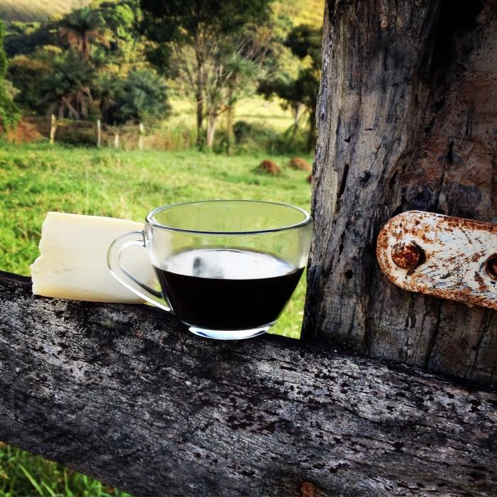 o brasil e gostoso demais cafe com queijo na serra da canastra (leticia massula para cozinha da matilde)